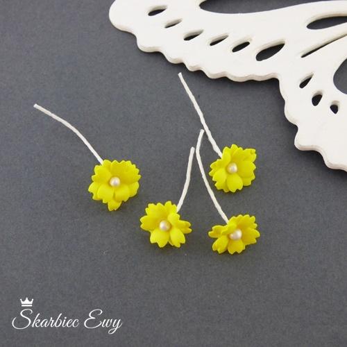 kwiatuszki kwiatki z foarmiranu do biżuterii małe