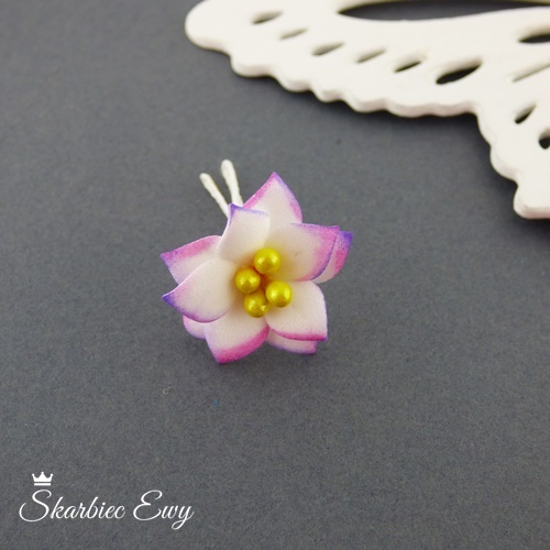 kwiatuszki kwiatki z foarmiranu do biżuterii małe cieniowane