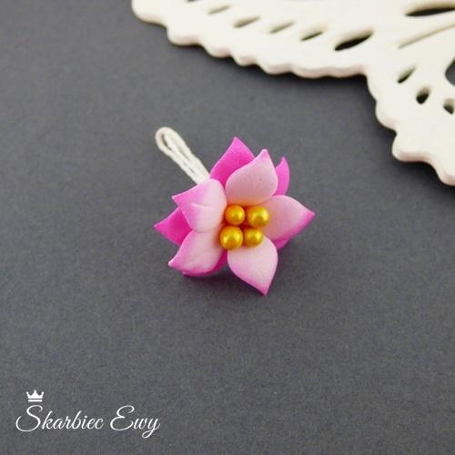 kwiatuszki kwiatki z foarmiranu do biżuterii małe cieniowane różowe