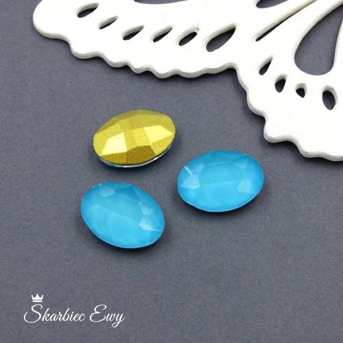 błękitny kryształek kaboszon szklany fasetowany mleczny owal