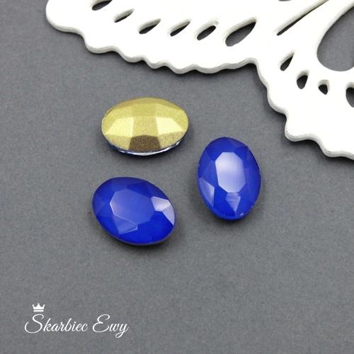 niebieski kryształek kaboszon szklany fasetowany mleczny owal