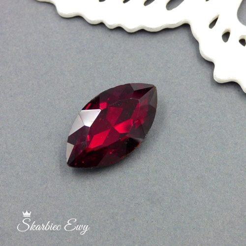kaboszony szklany fasetowany kryształek wrzeciono 17x30mm liliowy czerwony