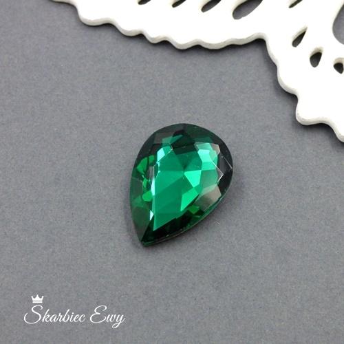 kaboszony szklany fasetowany kryształek łezka 25x18 emerald zielony